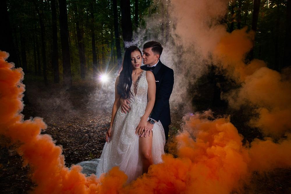 plener ślubny race dymne błysk